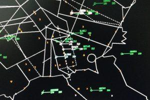Beispiel-Radarbild mit IFR- und VFR-Verkehr